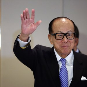 HK's Li to Reclaim Spot as Asia's Richest Person