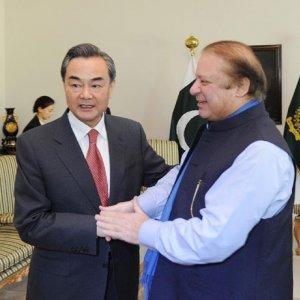 Pakistan, China Vow to Expedite Economic Corridor