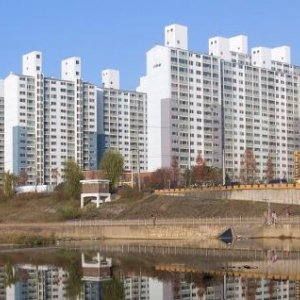 Surging S. Korea Household Debts Threaten Economy