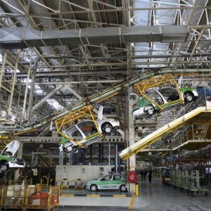 Europeans Sound Alarm for Iran's Carmakers