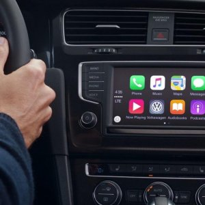 Apple Grabs Car Domain Names