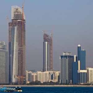 Arab States' Spending Up, Must Diversify Economies
