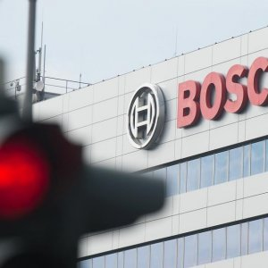 US Probes Bosch in VW Cheating Scandal