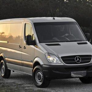 Daimler  Recalls Vans