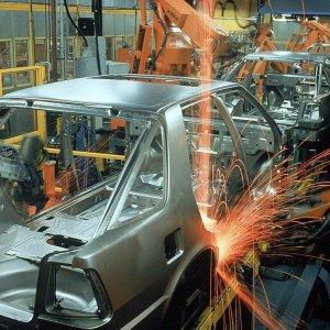 Auto Industry: Bumpy Future Despite Gains