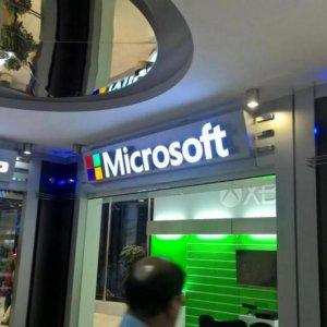 Microsoft Store Opens in Tehran