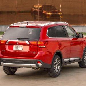 Mitsubishi Outlander Sale Begins