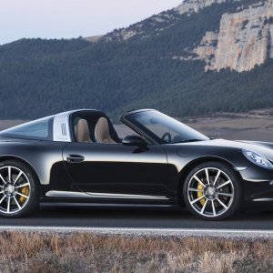 Porsche Decides on Plug-in Hybrid 911