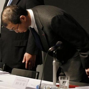Takata CEO  Gets Pay Cut