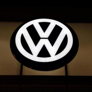 Car Firms Rush for VW Linkup
