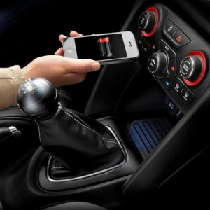 Carmakers Go for Wireless Standard