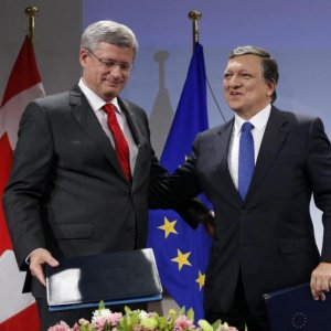 Canada, EU Sign CETA Pact Despite German Concerns