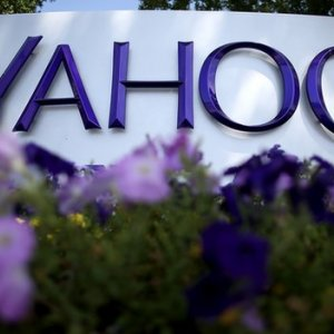 Yahoo to Cut 400 Jobs