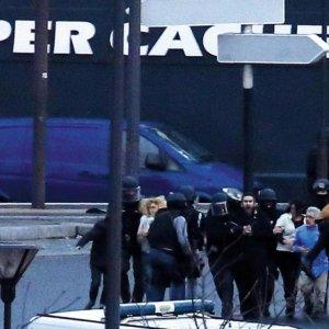 Suspects of Paris Attacks Killed