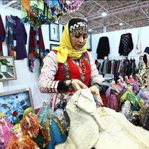 Fajr Fashion Focuses on Islamic Patterns