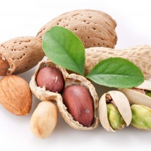 Eating Nuts, Peanuts Daily May Lower Risk of Death