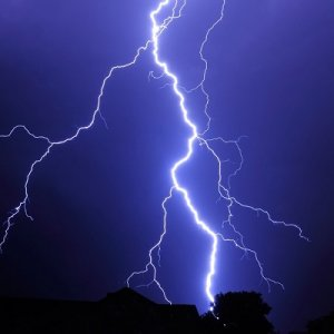 Lightning  Kills Two  in Lorestan