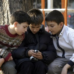 Texting Jargon is Harming  Persian Language, Writing Skills