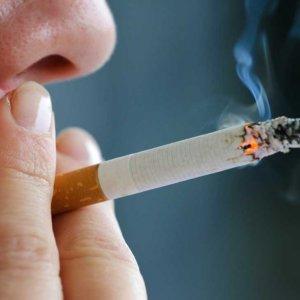 Women Smokers Up