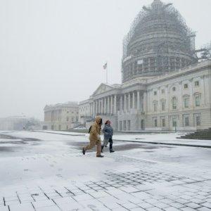 Snowstorm Thrashes US