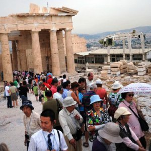 Instability Costs Greece €1b in Tourism Revenue