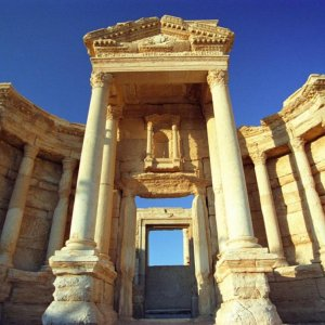IS Looting Syrian Sites 'Into Oblivion'