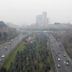 Smog Envelopes Tehran, Again