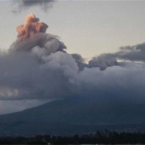 Volcanic Eruption Threatens 325,000 Ecuadorans