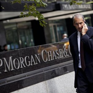 Goldman, JPMorgan to Fire Analysts for Cheating