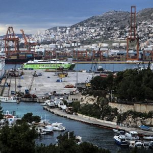 Sale of Greek Ports Delayed