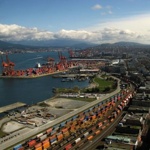US Import Prices Fall More Than Expected
