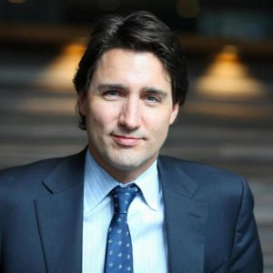 Canada PM Promotes Gov't Spending to Boost Economy