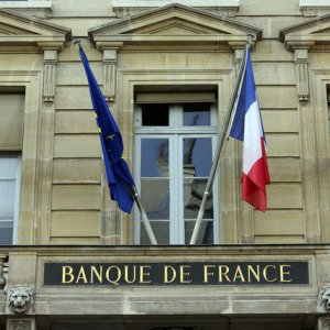 France Public Debt at 97.5% of GDP