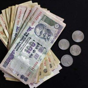 India Service Sector FDI Dips
