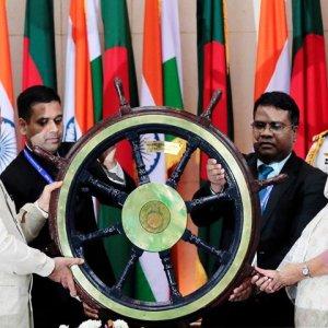 India Gives $2b Credit Line to Bangladesh