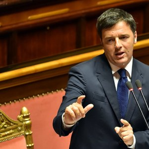 Italy Passes  Tax-Cutting  Budget