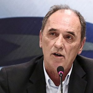 Moody's Maintains Junk Rating for Greece Debt