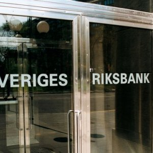Negative Rates Trigger Swedish Debt Warning