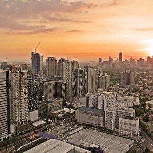Philippines Growth  Picks Up