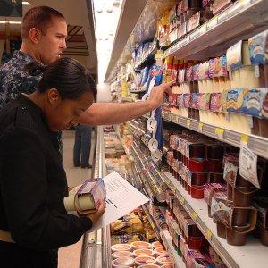 US Consumer Sentiment Falls