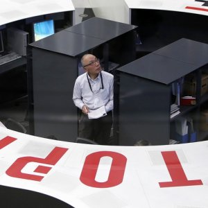 Asian Stocks Open Lower