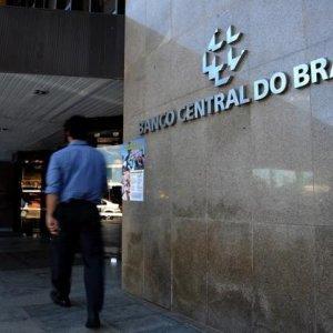 Brazil Economy to Shrink 3.7%