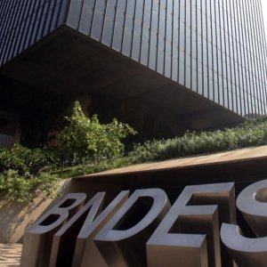 Brazil Bank Loan Defaults at 3-Year High