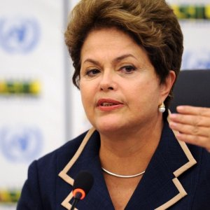 Brazil Hikes Rate to Woo New Investments