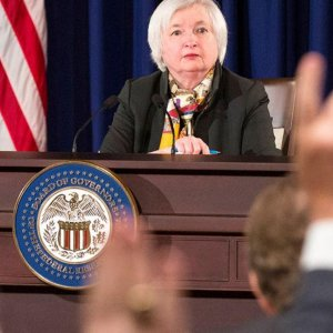 Fed Pits World's Woes Against Domestic Growth