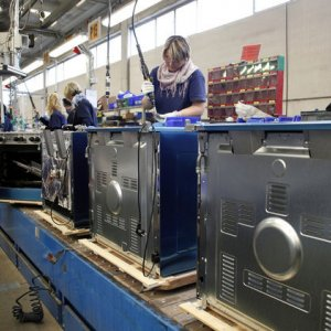 Italy Industrial Output Still Low