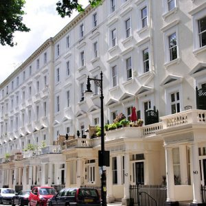 London Luxury-Home Prices Fall