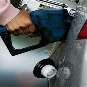 Low Oil Prices Slash Pak Import Bill by 21%