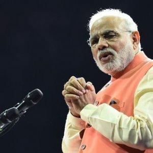 Modi to Seek Energy, Trade Deals With UAE