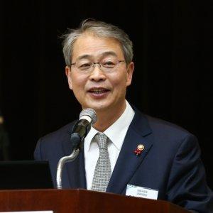 Mounting Debt, S. Korea's Biggest Economic Setback